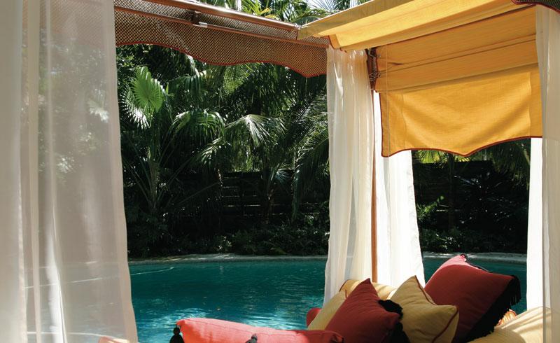 Bali lounges LR 3