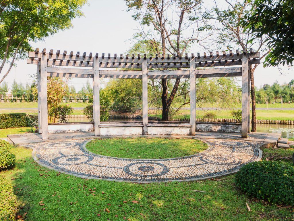 circle landscaping